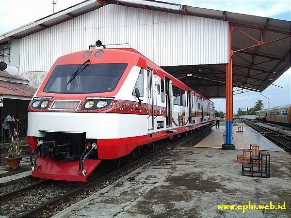 Kereta Api Railbus. Foto : Istimewa