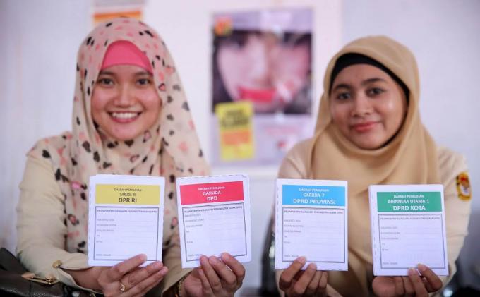 Empat jenis surat suara Pileg. FOTO/TRIBUNNEWS