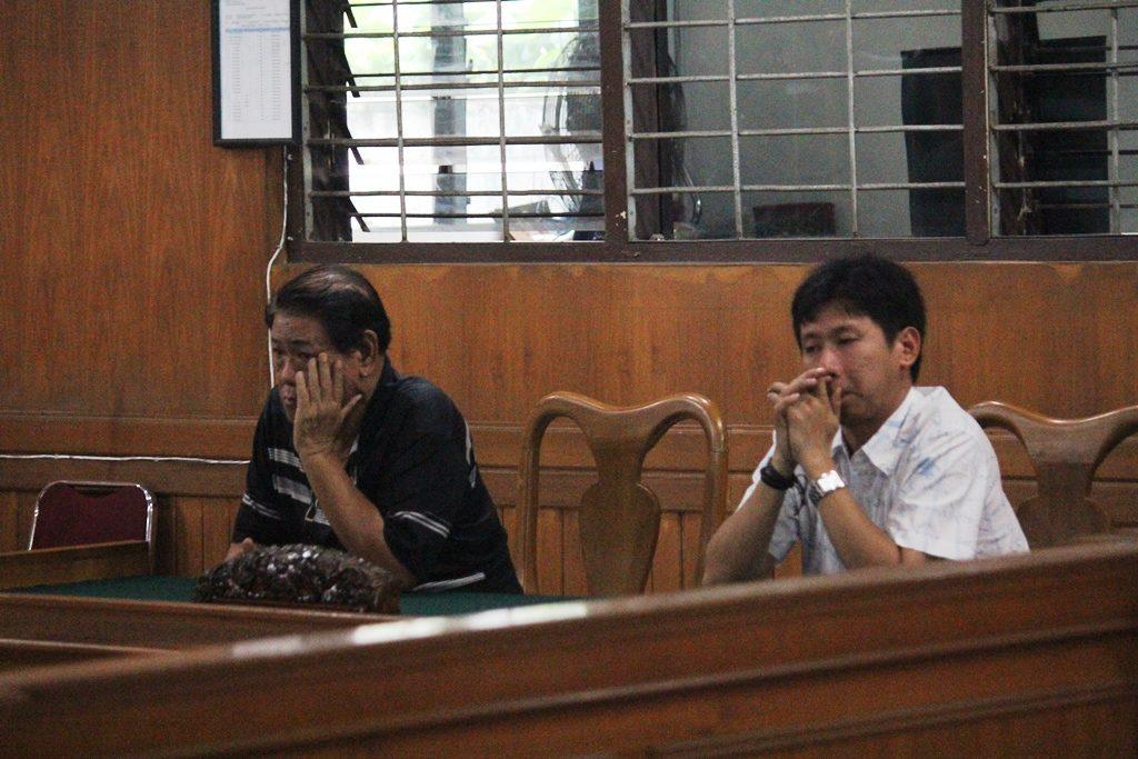 para terdakwa saat disidang di PN Klas IA Padang