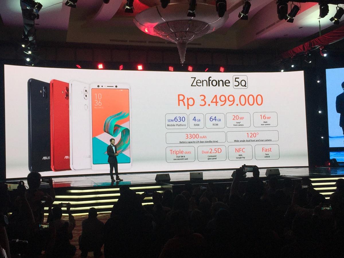Regional Director Southeast Asia Asus, Benjamin Yeh memperkenalkan varian Zenfone Selfie Asus terbaru, Asus Zenfone 5Q dalam gelaran Limitless Gaming Series Launch di Ritz Carlton Pacific Palace, Jakarta, Senin 23 April 2018. Foto : Ikhwan