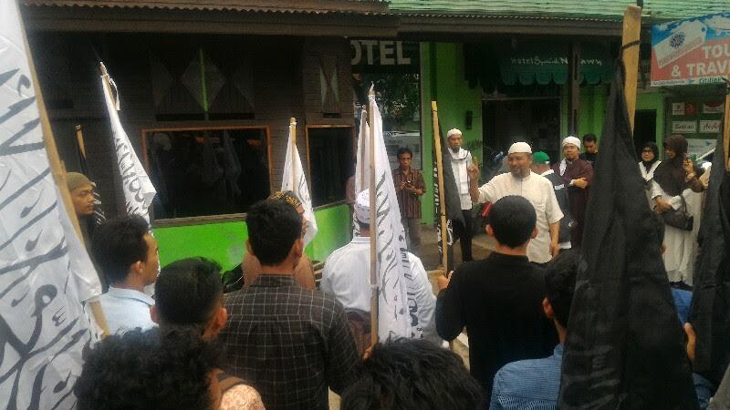Peserta aksi bersiap untuk menuju Jakarta. Foto : Harian Haluan